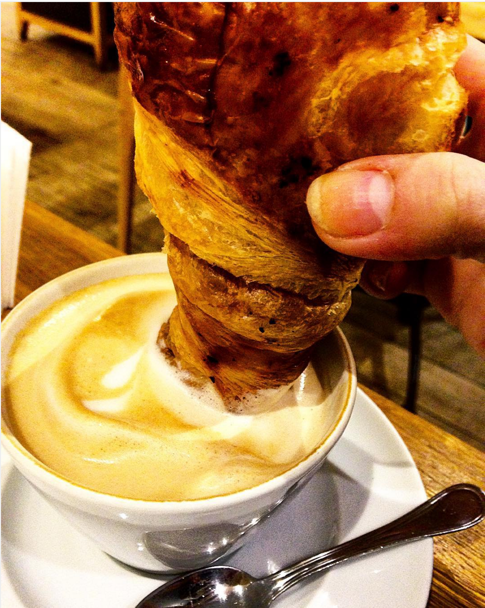 caffeinomani, dipendenza dal caffè, cappuccino